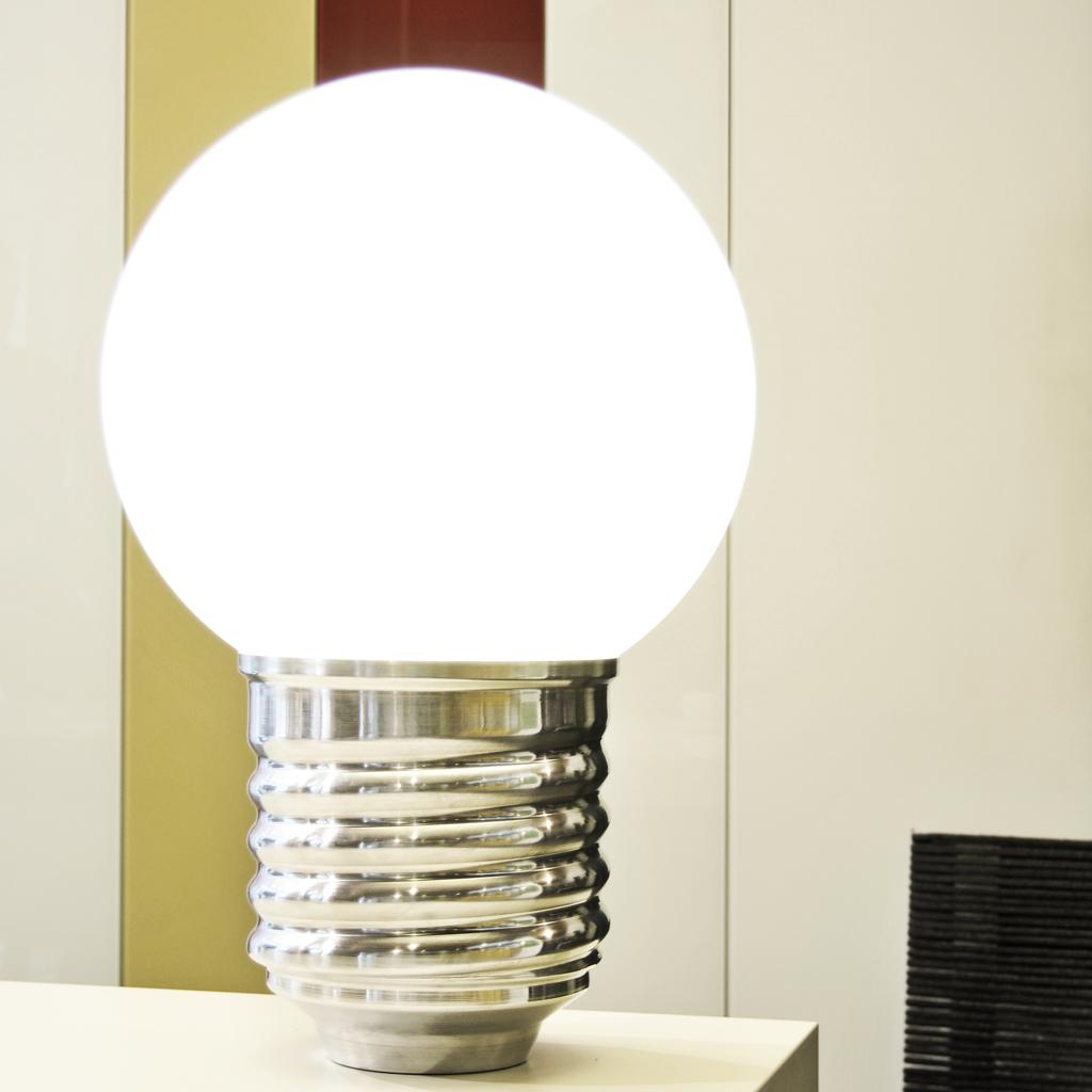 lampes. Black Bedroom Furniture Sets. Home Design Ideas