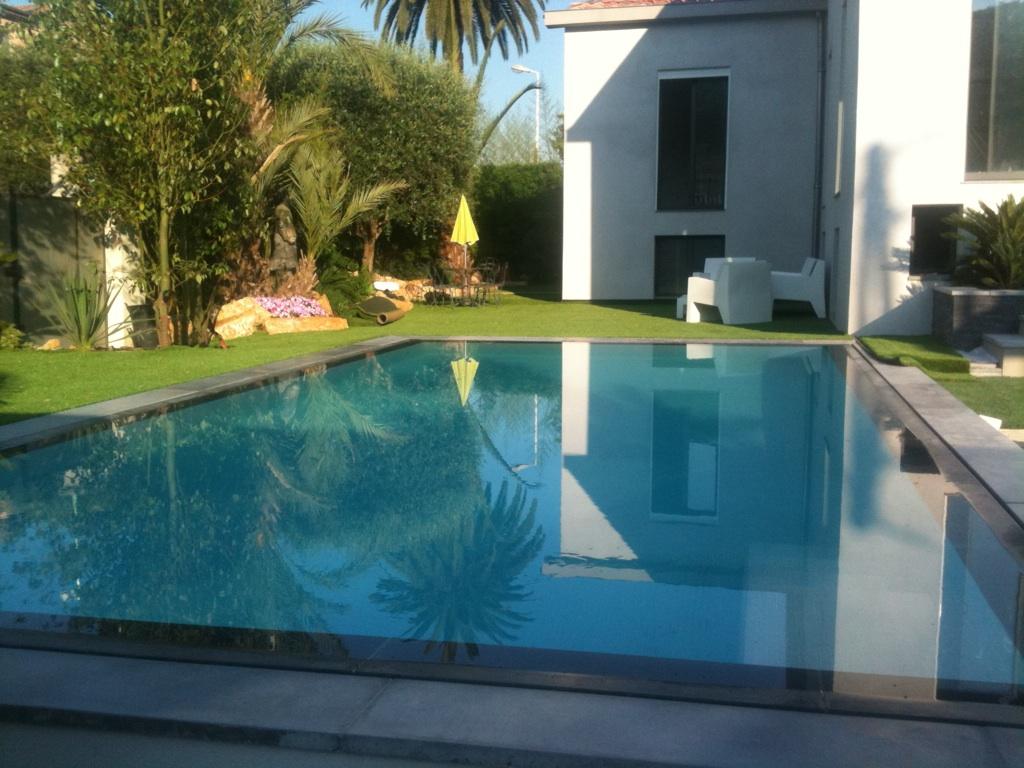 piscine débordement definition